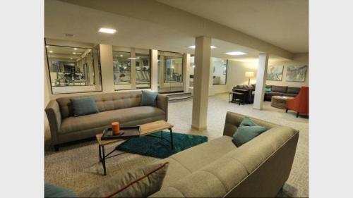 8907 W 102nd Terrace Photo 1