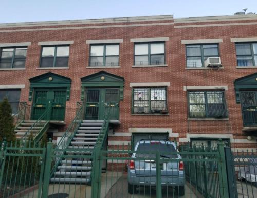 E 181st Street Photo 1