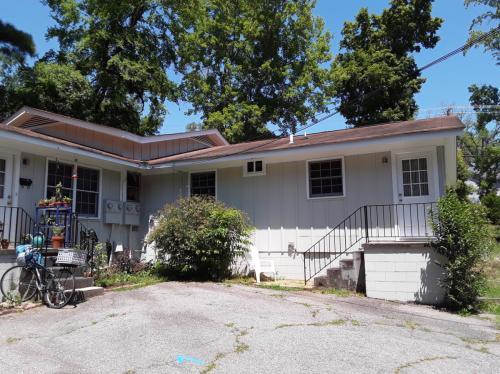 432 S Greensboro Street Photo 1