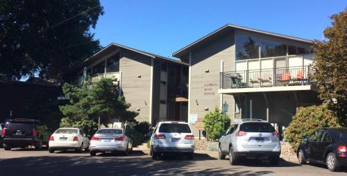 Iron House Apartments Photo 1