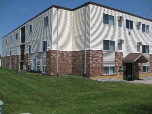 Four Seasons Apartments Photo 1