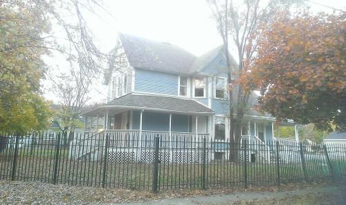 422 Gardner Street #1 Photo 1