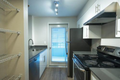 Union Bay Apartments Photo 1