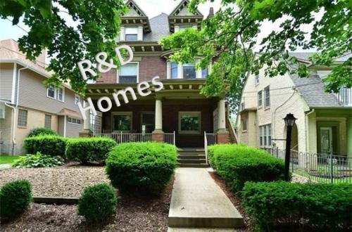 5858 Burchfield Avenue Photo 1