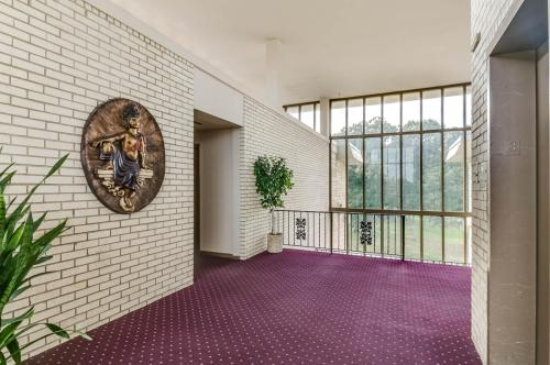 Imperial Tower Apartments Photo 1