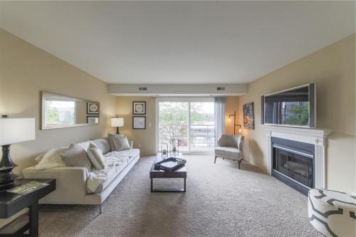 Apartment Unit G At 3020 Signature Boulevard, Ann Arbor, MI 48103 | HotPads