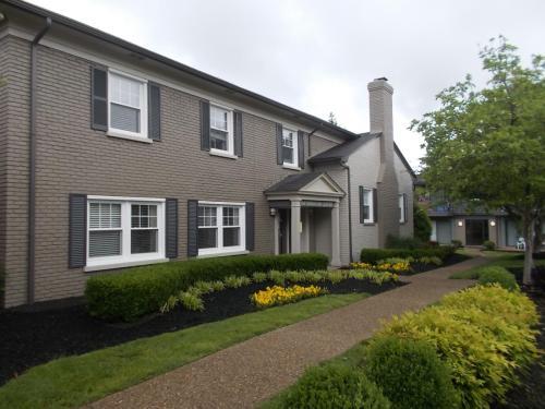 McArthur Park Properties Photo 1