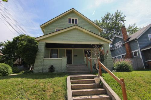 1050 Fountain Street NE #UPPER Photo 1