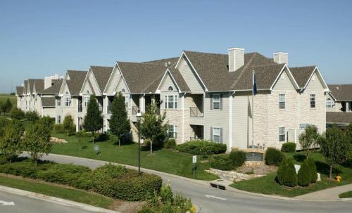 Pinnacle Pointe Apartments Photo 1