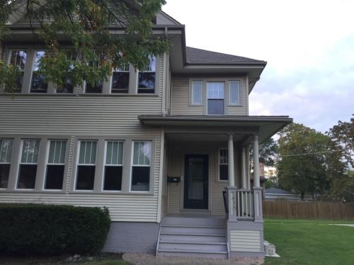 1418 W Touhy Avenue #UPPER Photo 1