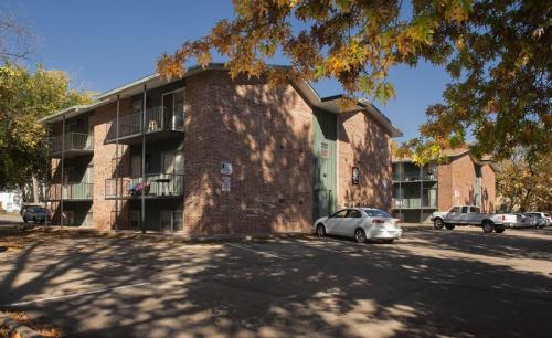 Lee Crest Apartments Photo 1