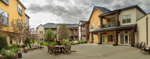 Kingsway Retirement Living Photo 1