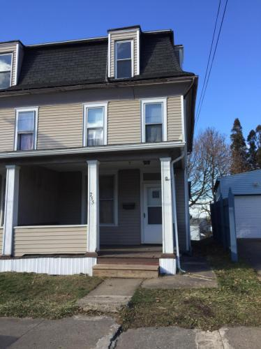 755 Lathrop Street Photo 1