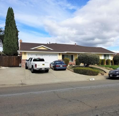 1095 Ventura Drive Photo 1