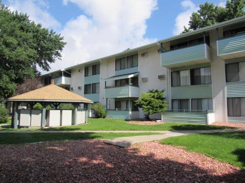 Courtyard Estates Photo 1