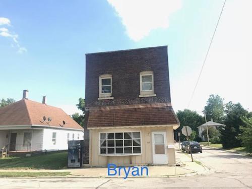 602 Bryan Avenue #2 Photo 1