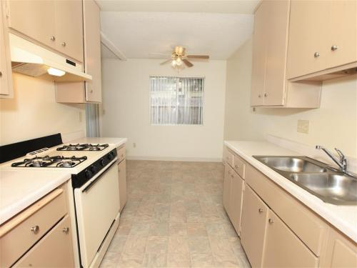 El cajon ca apartments for rent from 650 to 2 8k a - 2 bedroom apartments for rent in el cajon ca ...