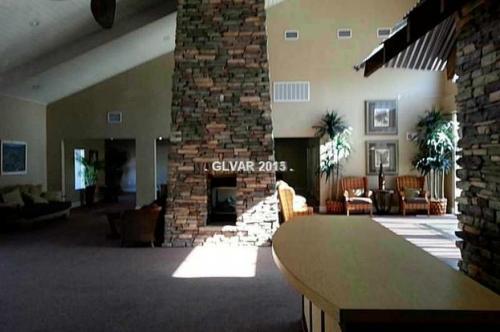 5121 River Glen Drive #PRIVATE ROOM Photo 1