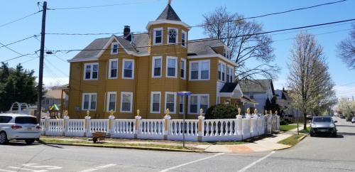 61 Grove Street Photo 1