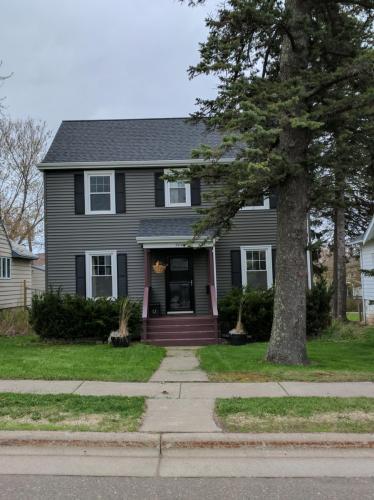 2414 E 8th Street Photo 1