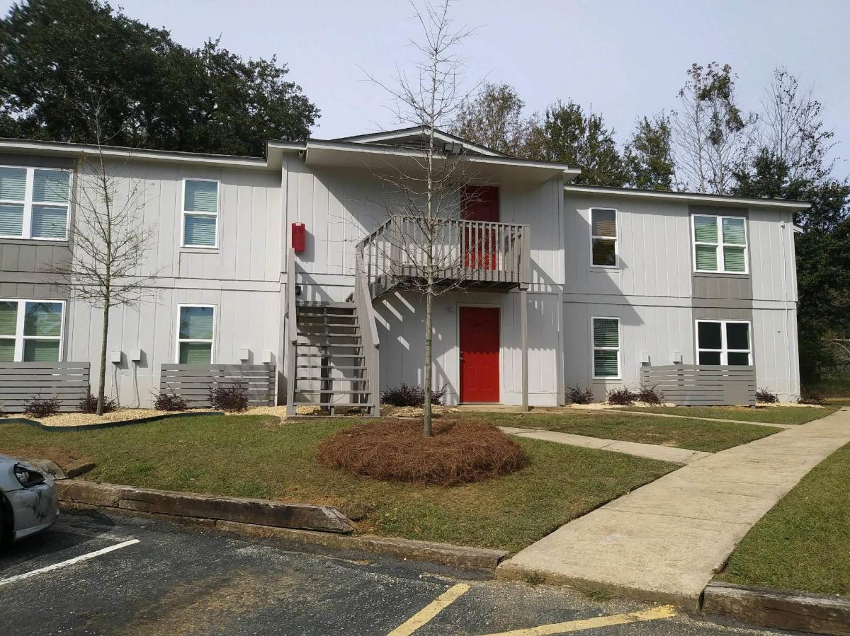 Hillcrest Commons Apartments - Mobile, AL from $620 per ...