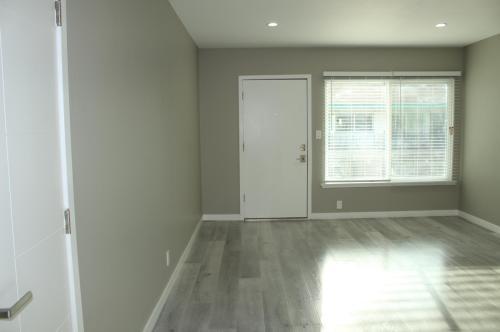 400 S Mariposa Avenue Photo 1