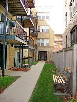 1256 W Winona Street #2D Photo 1