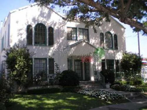 4017 Edenhurst Avenue Photo 1