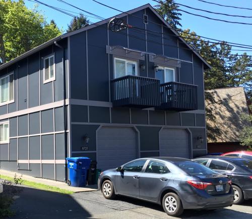 10723 Burke Ave N Photo 1