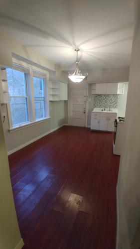 2526 N Lotus Avenue #1F Photo 1