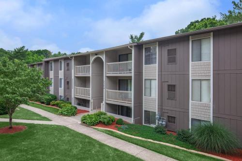 Pebble Creek Apartment Homes Photo 1