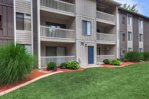 Pebble Creek Apartment Homes Photo 1