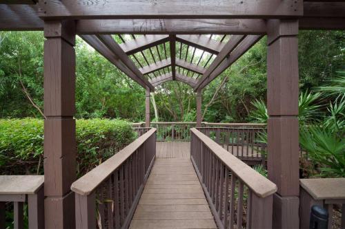 541 Carillon Parkway Photo 1