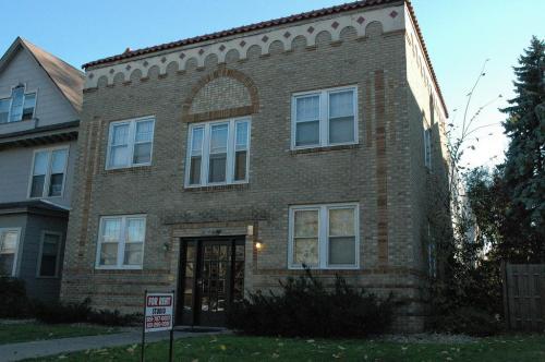 2086 Marshall Ave Photo 1