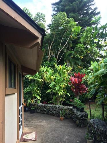 Makalani Place Photo 1