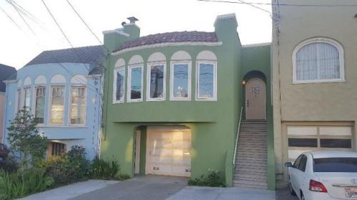 2259 30th Avenue Photo 1