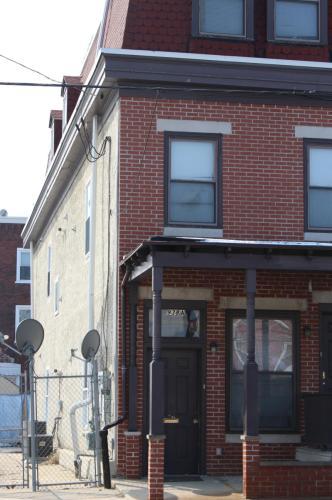 938 N 42nd Street Photo 1