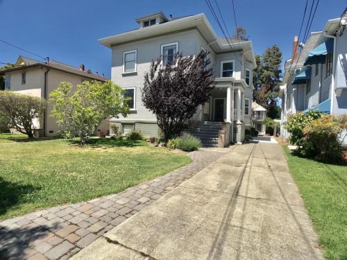 2149 Santa Clara Avenue Photo 1