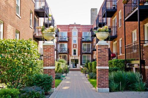 3709 N Kenneth Avenue #217 Photo 1