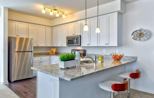 The Residences of Orland Park Crossing Photo 1