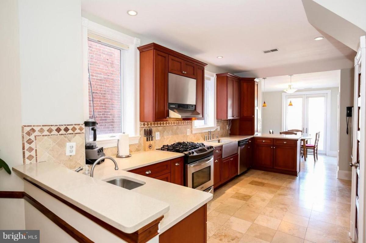 Incredible 1219 Girard Street Nw Washington Dc 20009 Hotpads Home Interior And Landscaping Mentranervesignezvosmurscom