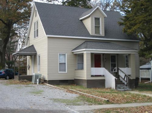 600 S Forest Avenue Photo 1