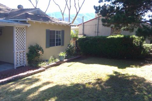 2850 Sanborn Avenue #FRONT HOUSE Photo 1