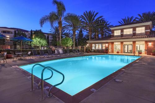 Allure at Camarillo Apartment Homes Photo 1
