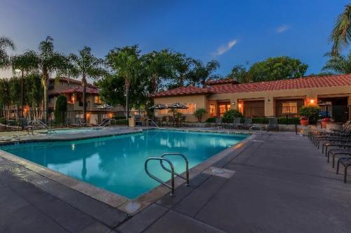 Villas Antonio Apartment Homes Photo 1