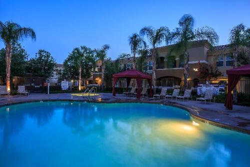 Santa Rosa Apartment Homes Photo 1