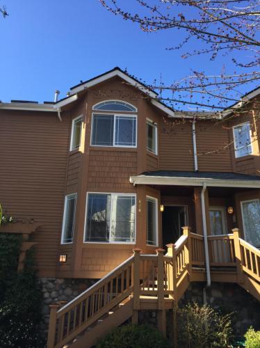 NE Maple Leaf Place Photo 1