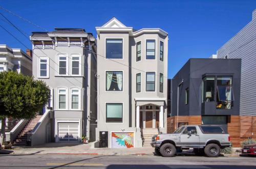 1440 Grove Street Photo 1