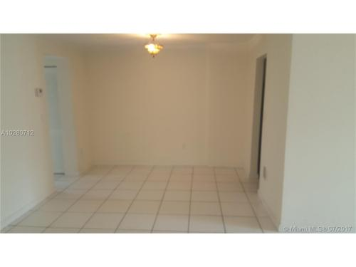 240 Collins Avenue Photo 1
