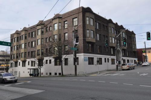 107 1st Avenue N Photo 1